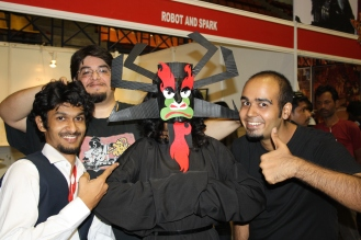 Hands down my favourite costume! :) Kudos to the lady behind the mask!