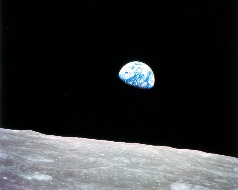 Earthrise-small